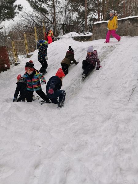 Zabawy na śniegu - zerówka