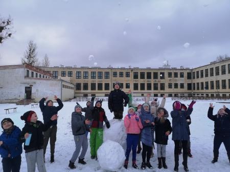 Zabawy na śniegu 3b